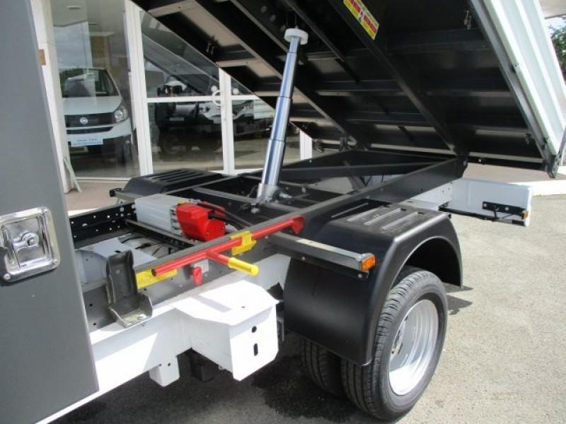 Photo 3 de l'offre de RENAULT MASTER III BENNE R3500RJ L3 2.3 DCI 145CH ENERGY +COFFRE CONFORT EUROVI à 38900€ chez Deal pro automobiles