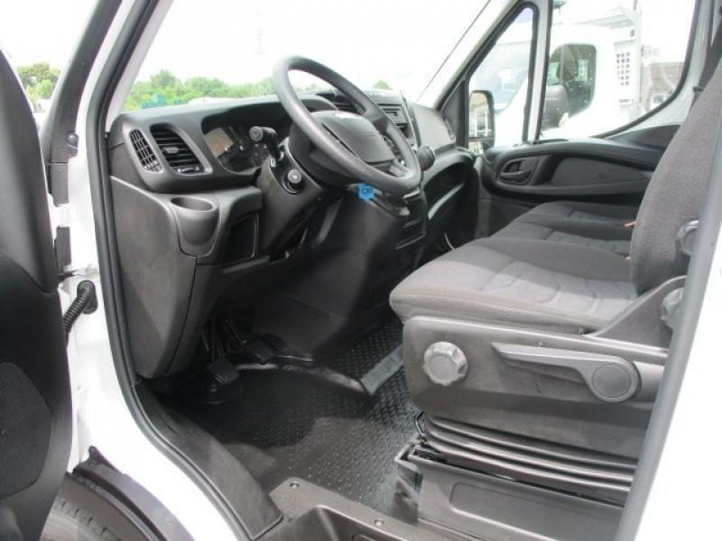Photo 2 de l'offre de IVECO DAILY FG 35S14 V12 à 28900€ chez Deal pro automobiles