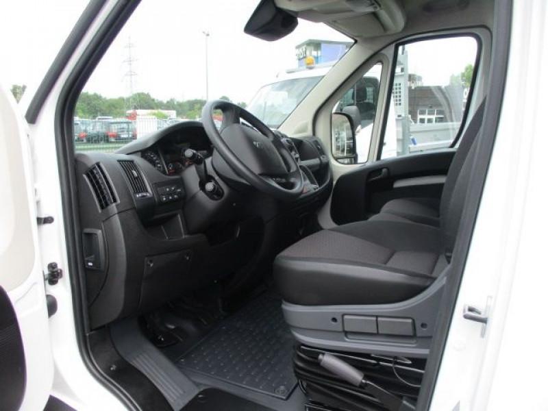 Photo 2 de l'offre de PEUGEOT BOXER FG 435 L4H3 2.2 BLUEHDI S&S 140CH ASPHALT à 37900€ chez Deal pro automobiles