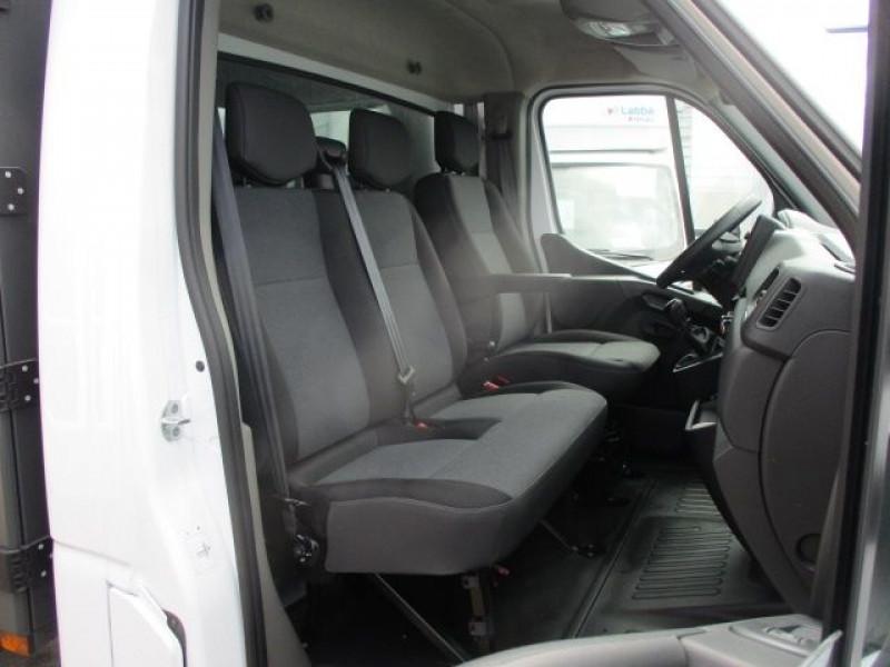 Photo 9 de l'offre de RENAULT MASTER III BENNE R3500RJ L3 2.3 DCI 145CH ENERGY +COFFRE CONFORT EUROVI à 38900€ chez Deal pro automobiles