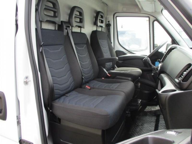 Photo 7 de l'offre de IVECO DAILY FG 35S14 V12 à 28900€ chez Deal pro automobiles