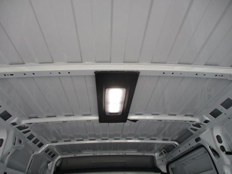 Photo 8 de l'offre de FIAT DUCATO FG 3.3 MH2 2.3 MULTIJET 120CH PRO LOUNGE à 31800€ chez Deal pro automobiles