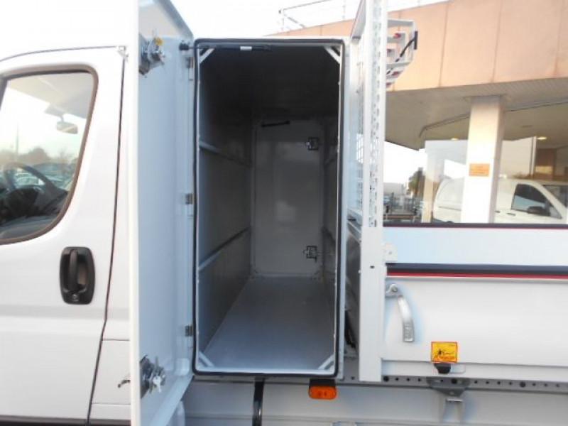 Photo 9 de l'offre de FIAT DUCATO BENNE 3.5 MAXI L 2.3 MULTIJET 140CH ACIER PRO LOUNGE + COFFRE à 34900€ chez Deal pro automobiles