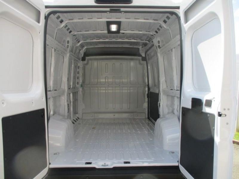 Photo 3 de l'offre de FIAT DUCATO FG 3.3 MH2 2.3 MULTIJET 120CH PRO LOUNGE à 31800€ chez Deal pro automobiles