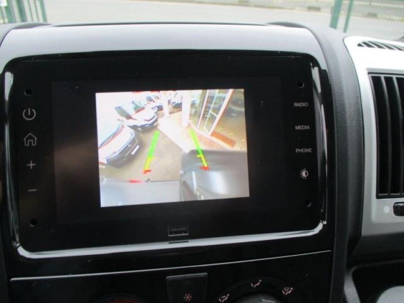 Photo 6 de l'offre de FIAT DUCATO FG 3.3 MH2 2.3 MULTIJET 140CH PRO LOUNGE à 33900€ chez Deal pro automobiles