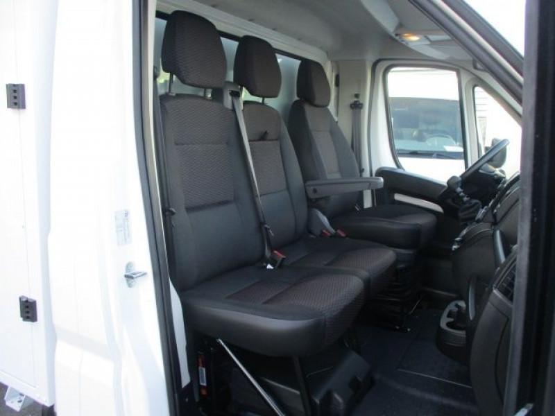 Photo 8 de l'offre de PEUGEOT BOXER BENNE 435 L3 2.2 BLUEHDI 165 S&S à 37900€ chez Deal pro automobiles