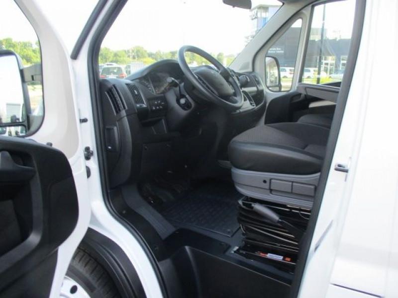 Photo 2 de l'offre de PEUGEOT BOXER BENNE 435 L3 2.2 BLUEHDI 165 S&S à 37900€ chez Deal pro automobiles