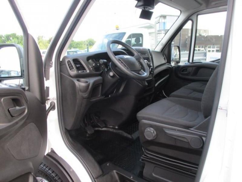 Photo 2 de l'offre de IVECO DAILY 35S14V11 à 22900€ chez Deal pro automobiles