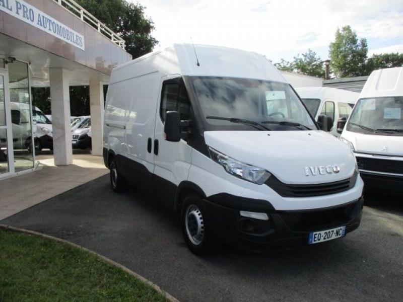 Photo 9 de l'offre de IVECO DAILY 35S14V11 à 22900€ chez Deal pro automobiles
