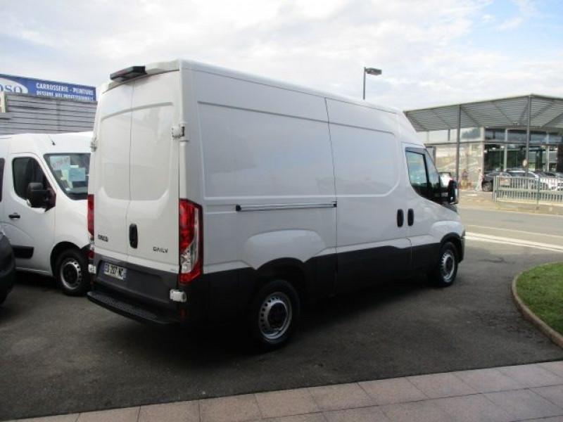 Photo 4 de l'offre de IVECO DAILY 35S14V11 à 22900€ chez Deal pro automobiles