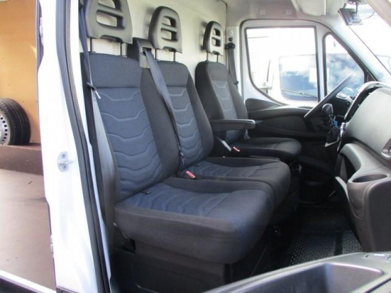 Photo 7 de l'offre de IVECO DAILY 35S14V11 à 22900€ chez Deal pro automobiles