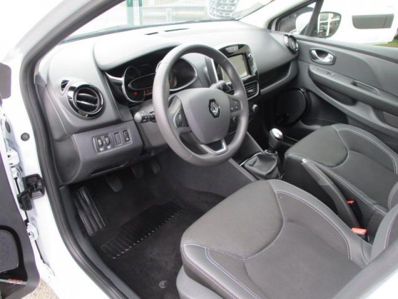 Photo 2 de l'offre de RENAULT CLIO IV STE 1.5 DCI 75CH ENERGY AIR MEDIANAV à 10900€ chez Deal pro automobiles