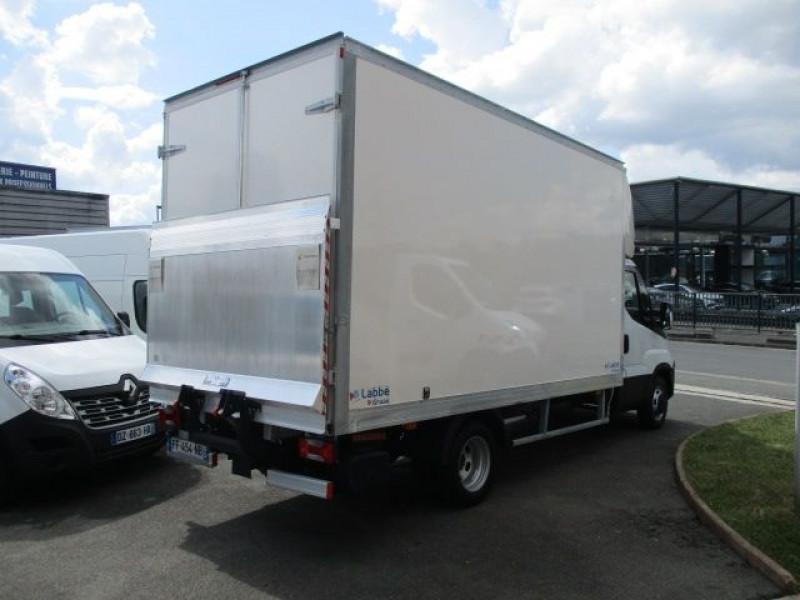 Photo 7 de l'offre de IVECO DAILY CCB 35C16 CAISSE 20 M3+HAYON à 37900€ chez Deal pro automobiles