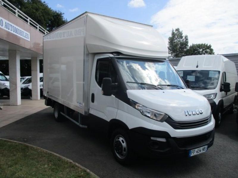 Photo 10 de l'offre de IVECO DAILY CCB 35C16 CAISSE 20 M3+HAYON à 37900€ chez Deal pro automobiles