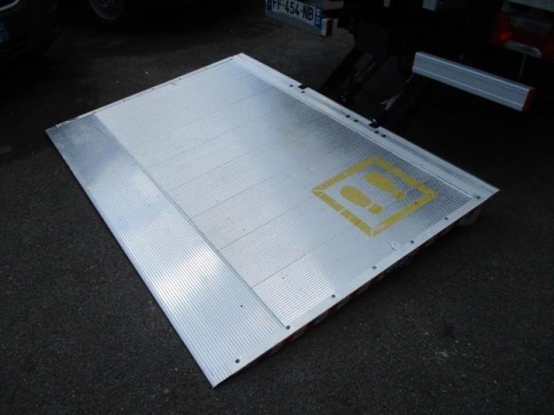 Photo 5 de l'offre de IVECO DAILY CCB 35C16 CAISSE 20 M3+HAYON à 37900€ chez Deal pro automobiles