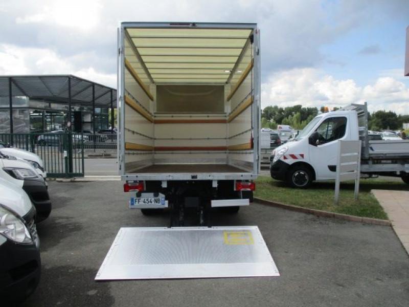 Photo 3 de l'offre de IVECO DAILY CCB 35C16 CAISSE 20 M3+HAYON à 37900€ chez Deal pro automobiles