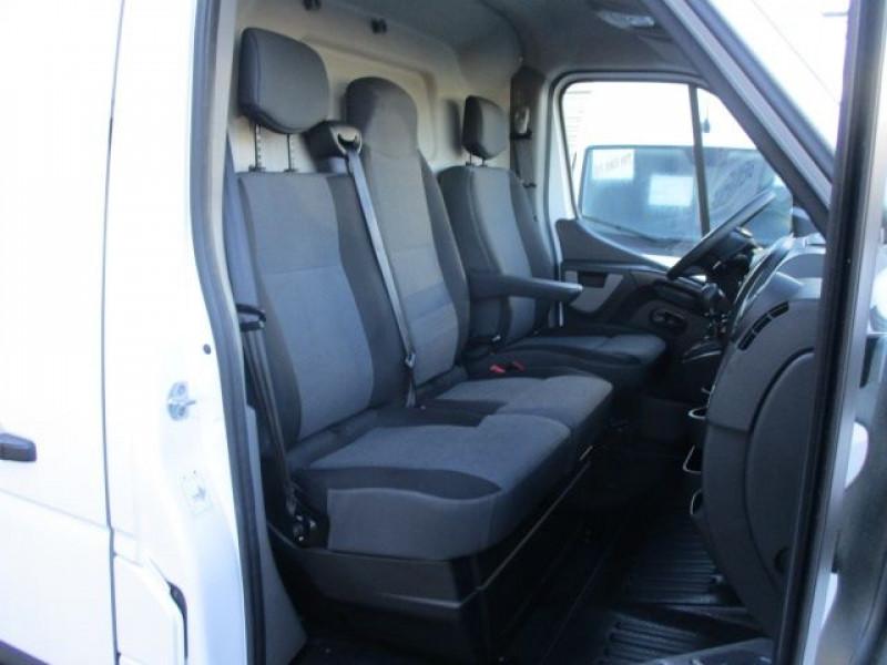 Photo 6 de l'offre de RENAULT MASTER III FG F3500 L2H2 2.3 DCI 130CH CONFORT EURO6 à 22900€ chez Deal pro automobiles