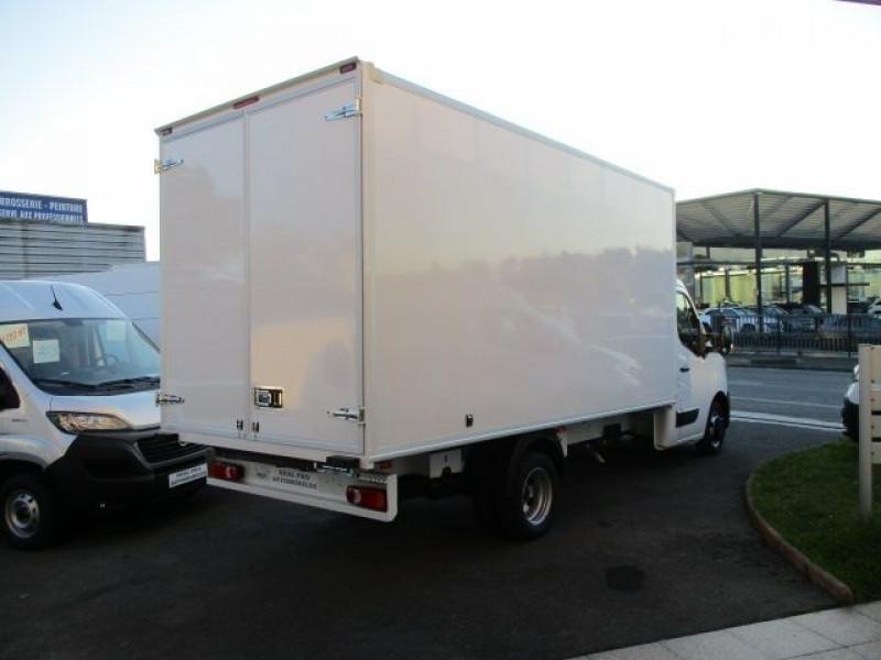 Photo 4 de l'offre de RENAULT MASTER III CCB R3500RJ L4 2.3 DCI 145CH ENERGY CONFORT EUROVI à 42900€ chez Deal pro automobiles