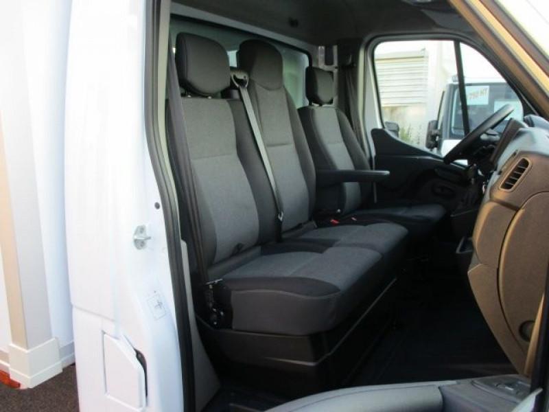 Photo 7 de l'offre de RENAULT MASTER III CCB R3500RJ L4 2.3 DCI 145CH ENERGY CONFORT EUROVI à 42900€ chez Deal pro automobiles
