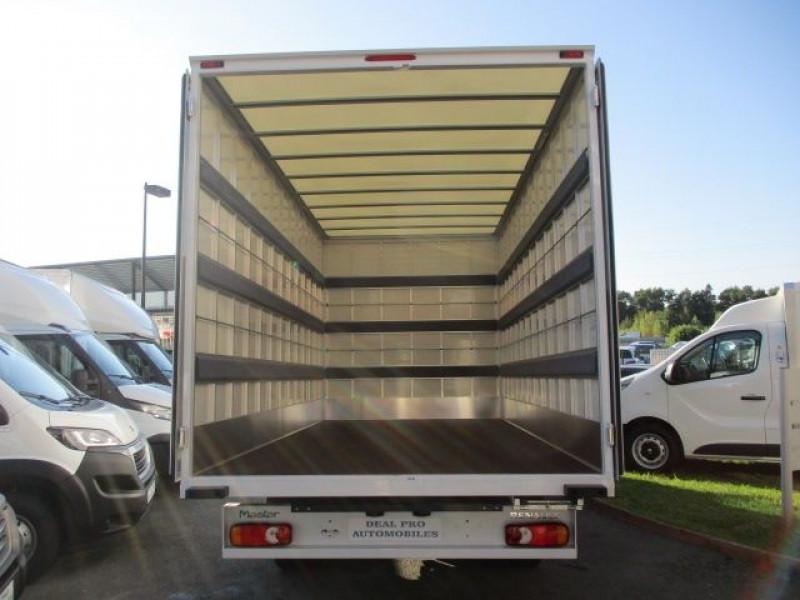 Photo 3 de l'offre de RENAULT MASTER III CCB R3500RJ L4 2.3 DCI 145CH ENERGY CONFORT EUROVI à 42900€ chez Deal pro automobiles