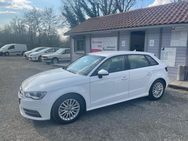 Audi A3 SPORTBACK 1.6 TDI 110CH ULTRA FAP BUSINESS LINE Diesel BLANC Occasion à vendre