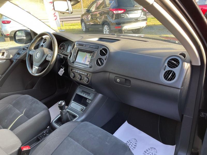 Photo 7 de l'offre de VOLKSWAGEN TIGUAN 2.0 TDI 150CH BLUEMOTION TECHNOLOGY FAP SPORTLINE BUSINESS à 15490€ chez Jeammet automobiles