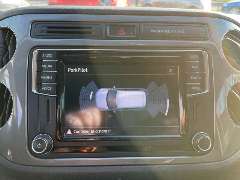 Photo 11 de l'offre de VOLKSWAGEN TIGUAN 2.0 TDI 150CH BLUEMOTION TECHNOLOGY FAP SPORTLINE BUSINESS à 15490€ chez Jeammet automobiles