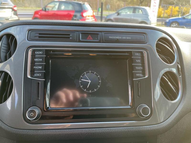 Photo 10 de l'offre de VOLKSWAGEN TIGUAN 2.0 TDI 150CH BLUEMOTION TECHNOLOGY FAP SPORTLINE BUSINESS à 15490€ chez Jeammet automobiles