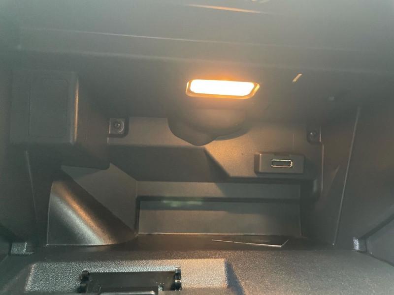 Photo 11 de l'offre de AUDI A1 SPORTBACK 1.4 TDI 90CH ULTRA BUSINESS LINE S TRONIC 7 à 14790€ chez Jeammet automobiles