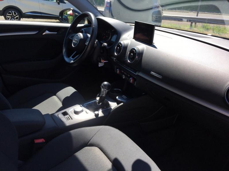 Photo 6 de l'offre de AUDI A3 SPORTBACK 1.6 TDI 116CH BUSINESS LINE S TRONIC 7 à 17490€ chez Jeammet automobiles