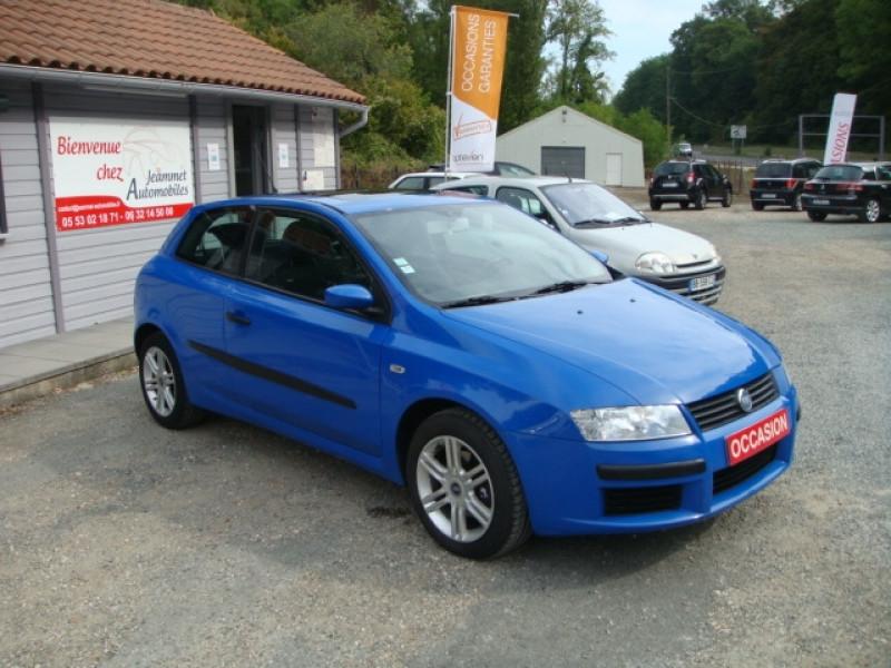 Photo 2 de l'offre de FIAT STILO 1.9 MULTIJET 8V 120CH SKYWINDOW 3P à 3490€ chez Jeammet automobiles