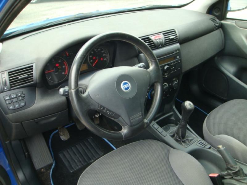 Photo 5 de l'offre de FIAT STILO 1.9 MULTIJET 8V 120CH SKYWINDOW 3P à 3490€ chez Jeammet automobiles