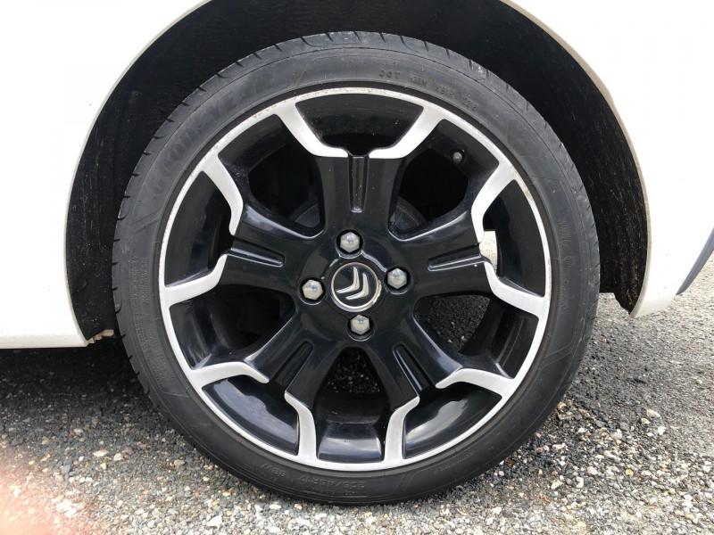 Photo 8 de l'offre de CITROEN DS3 1.6 E-HDI90 (92) AIRDREAM SO CHIC 5CV à 6490€ chez Jeammet automobiles