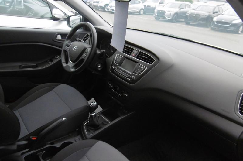 Photo 2 de l'offre de HYUNDAI I20 1.2 84CH INTUITIVE à 12900€ chez Garage Deletre