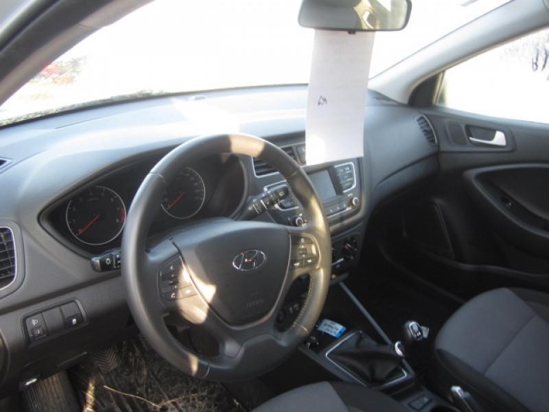 Photo 2 de l'offre de HYUNDAI I20 1.2 84 INTUITIVE à 12900€ chez Garage Deletre