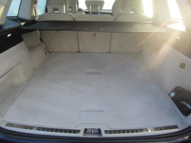 Photo 4 de l'offre de VOLVO XC90 D5 AWD 235CH MOMENTUM GEARTRONIC 5 PLACES à 37490€ chez Garage Deletre