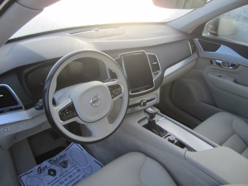 Photo 3 de l'offre de VOLVO XC90 D5 AWD 235CH MOMENTUM GEARTRONIC 5 PLACES à 37490€ chez Garage Deletre