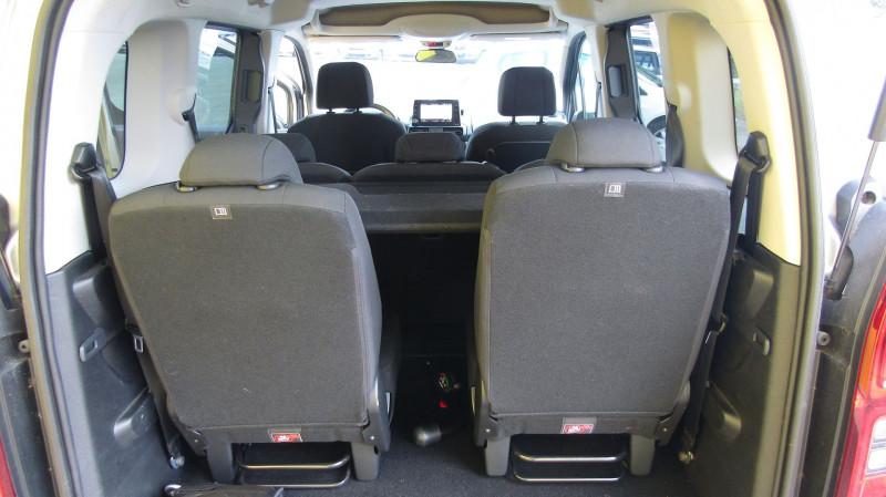 Photo 5 de l'offre de CITROEN BERLINGO BLUEHDI 100CH SHINE S&S 7 PLACES à 22590€ chez Garage Deletre