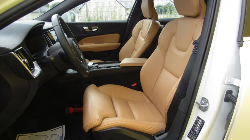 Photo 3 de l'offre de VOLVO V60 D4 190CH ADBLUE MOMENTUM GEARTRONIC à 35880€ chez Garage Deletre