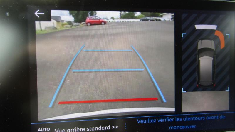 Photo 5 de l'offre de PEUGEOT 3008 1.5 BLUEHDI 130CH S&S ALLURE à 27490€ chez Garage Deletre