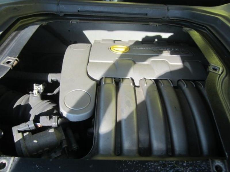 Photo 7 de l'offre de RENAULT CLIO II 3.0 V6 230CH RS 3P à 40490€ chez Garage Deletre