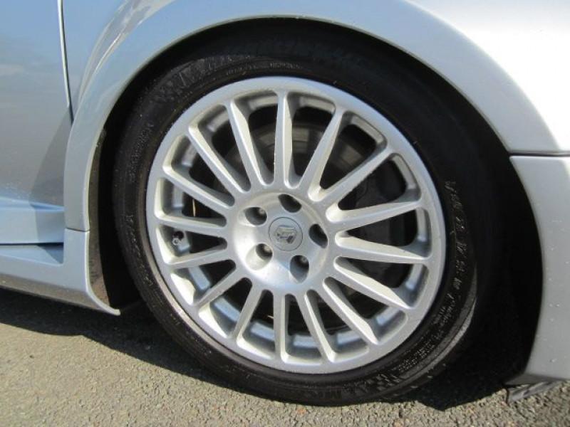 Photo 4 de l'offre de RENAULT CLIO II 3.0 V6 230CH RS 3P à 40490€ chez Garage Deletre