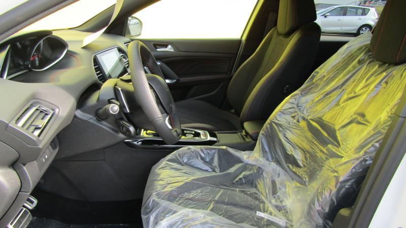 Photo 5 de l'offre de PEUGEOT 308 1.5 BLUEHDI 130CH S&S GT EAT8 à 26990€ chez Garage Deletre