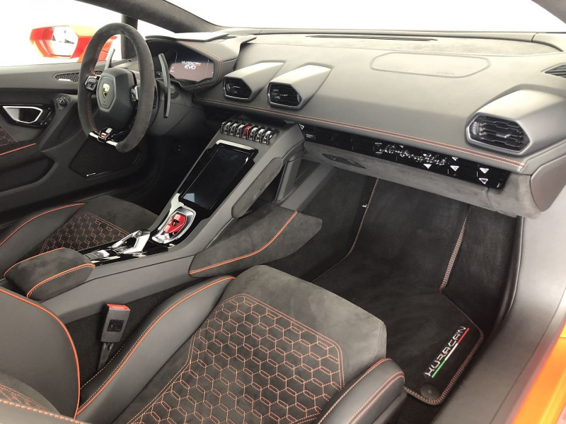 Photo 3 de l'offre de LAMBORGHINI HURACAN LP 640-4 EVO à 259900€ chez SAD Plus