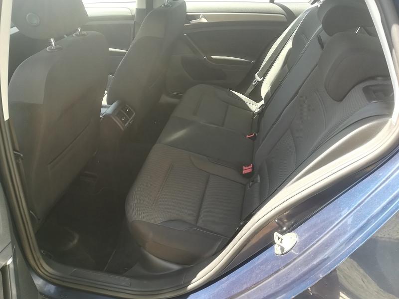 Photo 8 de l'offre de VOLKSWAGEN GOLF VII 1.6 TDI 110CH BLUEMOTION TECHNOLOGY FAP CONFORTLINE BUSINESS 5P à 12990€ chez Automobiles Services