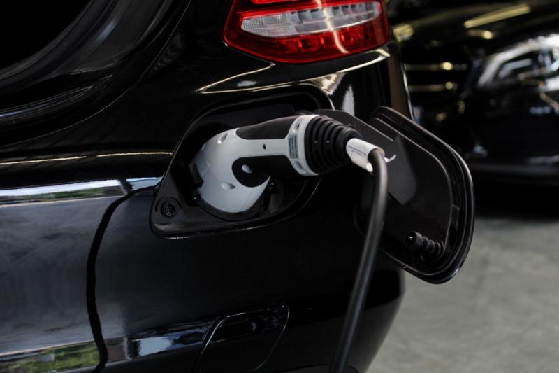 Photo 14 de l'offre de MERCEDES-BENZ CLASSE C IV IV 350 E BUSINESS EXECUTIVE 7G-TRONIC à 33950€ chez Premium Cars 76