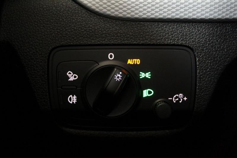 Photo 17 de l'offre de AUDI Q2 1.4 TFSI 150 COD DESIGN LUXE S TRONIC à 27450€ chez Premium Cars 76
