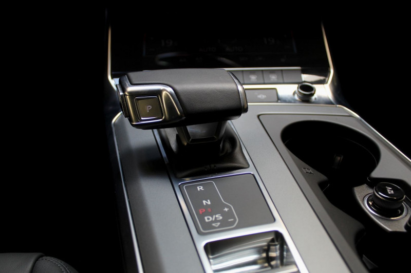 Photo 17 de l'offre de AUDI A6 (5E GENERATION) AVANT V AVANT 40 TDI 204 BUSINESS EXECUTIVE S TRONIC à 38450€ chez Premium Cars 76