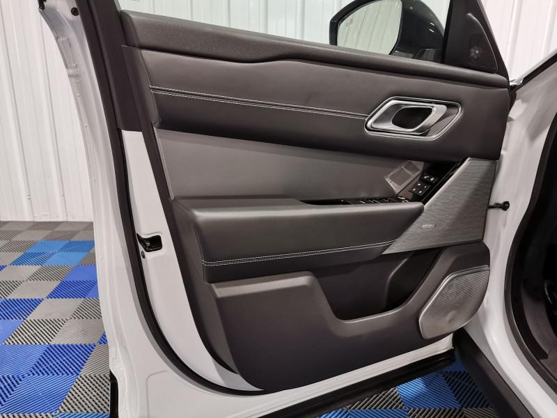 Photo 17 de l'offre de LAND-ROVER RANGE ROVER VELAR 3.0D V6 300CH R-DYNAMIC HSE AWD BVA à 53990€ chez VL Auto