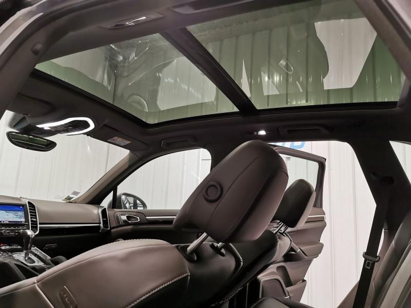 Photo 15 de l'offre de PORSCHE CAYENNE (958) 3.0 416CH S E-HYBRID à 42990€ chez VL Auto